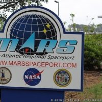 6014-orbital_atk_antares_sen_mikulski__nasa_administrator_charles_bolden_visit_wallops_flight_facility-jd_taylor