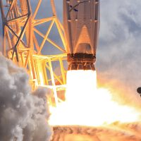 6577-spacex_falcon_9_thaicom8-michael_deep