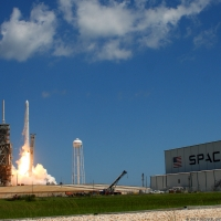 12105-spacex_falcon_9_crs12-michael_howard