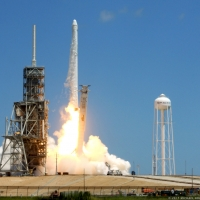 12107-spacex_falcon_9_crs12-michael_howard