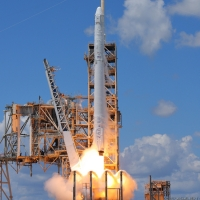 12127-spacex_falcon_9_crs12-michael_deep