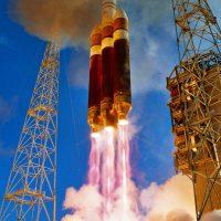 4042-ula_delta_iv_heavy_inaugural_flight_of_delta_iv_heavy_-carleton_bailie