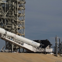 11653-spacex_falcon_9_intelsat_35e-tom_cross