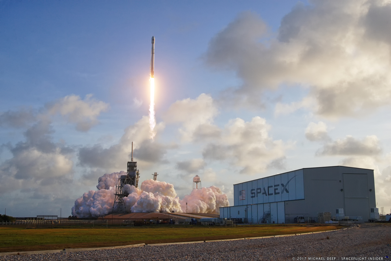 Photo Gallery: SpaceX launches classified NROL-76 payload ...