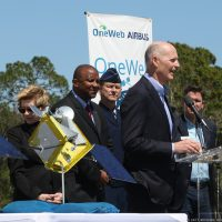 10214-oneweb_satellites_ground_breaking-michael_howard