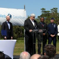 10222-oneweb_satellites_ground_breaking-michael_howard