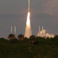 7692-ula_atlas_v_osiris_rex-michael_howard
