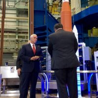 12724-nasa_vice_president_pence_visit_to_msfc-scott_johnson