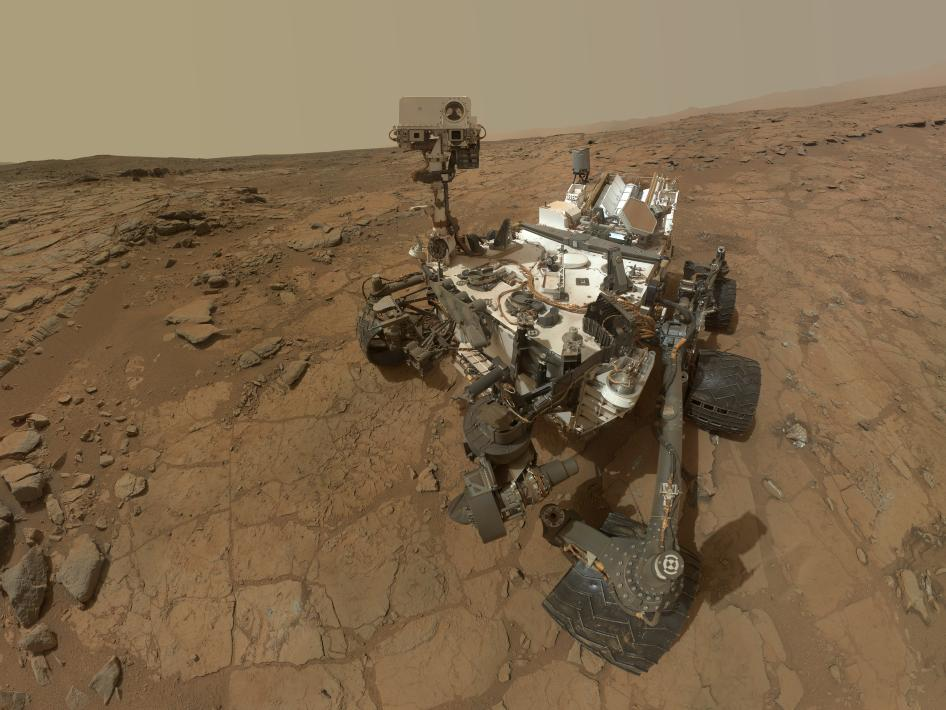 The Curiosity rover has paused operations on Mars, after a recent electrical issue that resulted in a voltage drop. Image credit: NASA/JPL-Caltech/MSSS