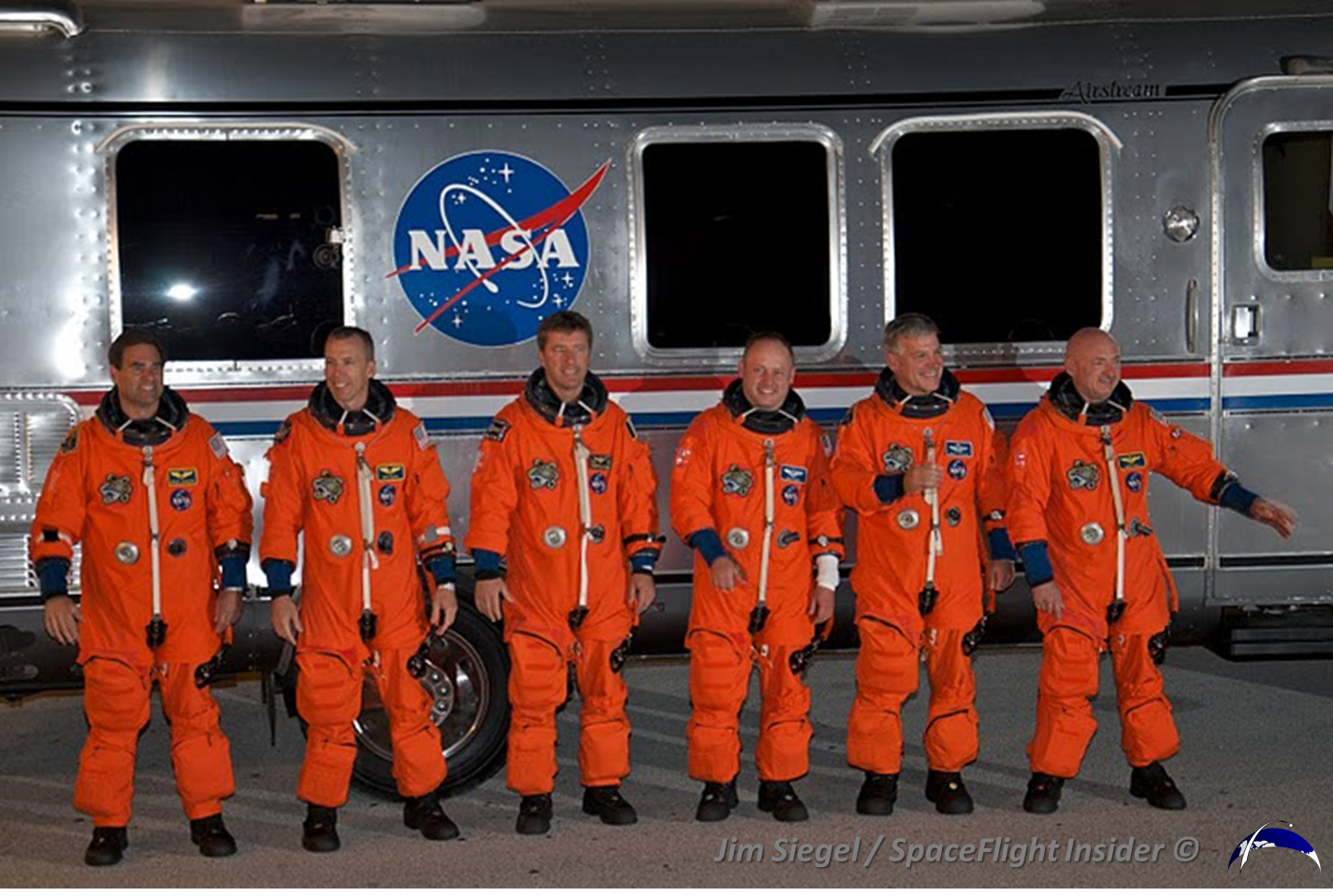 NASA eyes ACES 'Pumpkin Suit' for use on Orion spacecraft ...