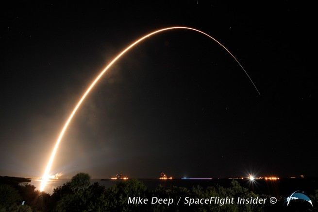 As this iteration of Atlas had no solid rocket boosters, its long arc to orbit took longer than other launch vehicles. This provided photographers with ample opportunity to record its journey. Photo Credit: Mike Deep / SpaceFlight Insider