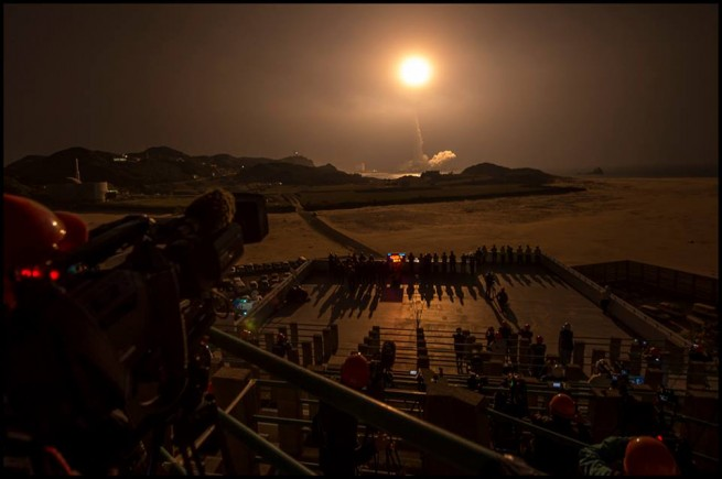 A view of the launch from the press viewing site at Tanegashima Space Center in Japan. Photo Credit: Bill Ingalls / NASA