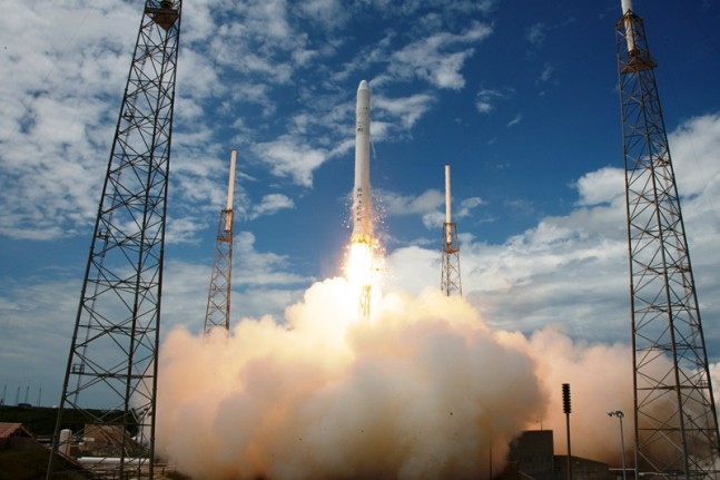 SpaceX has rescheduled the launch of the CRS-3 mission for late in the afternoon of April 14. Photo Credit: Chris Thompson / SpaceX