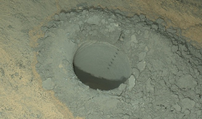 MAHLI image of a Curiosity drill site as seen on Spaceflight Insider