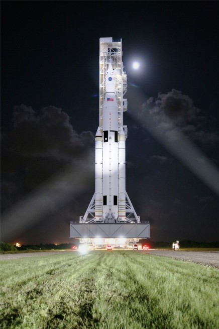 NASA ready for 'hotfire' testing on modified RS-25 rocket ...