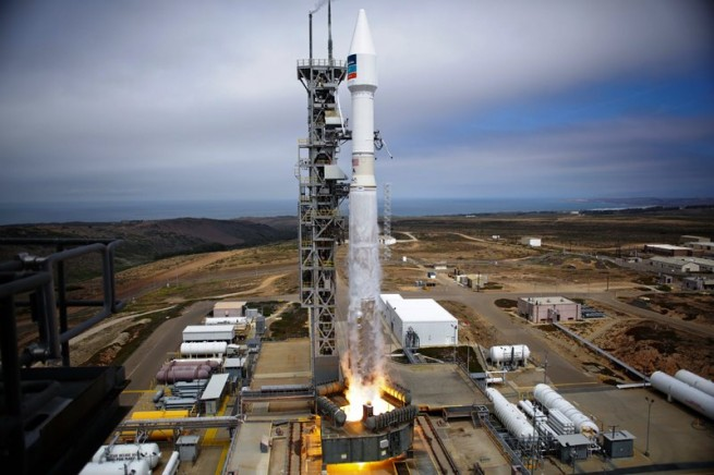 A United Launch Alliance Atlas V 401 rocket lifts off from Vandenberg Air Force Base in California with the WorldView-3 satellite. Launch took place on Aug. 13, 2014 at 11:30 a.m. EDT. Photo Credit: ULA