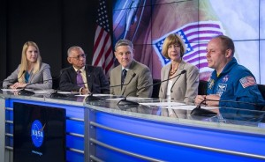 NASA administrator Charlie Bolden, KSC director Bob Cabana, CCP manager Kath Lueders, and NASA astronaut Mike Fincke discuss the commercial crew decision. Photo Credit: Bill Ingalls/NASA