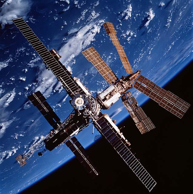 Photo Credit: STS-86 / NASA