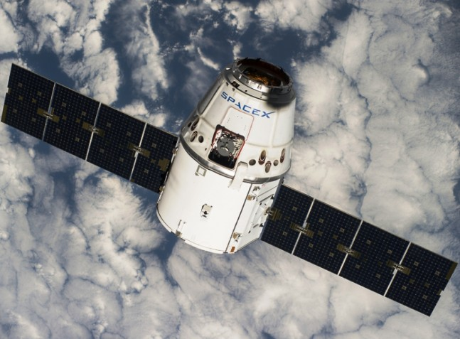 SpaceX Dragon spacecraft Commercial Resupply Services 4 CRS-4 NASA photo posted on SpaceFlight Insider