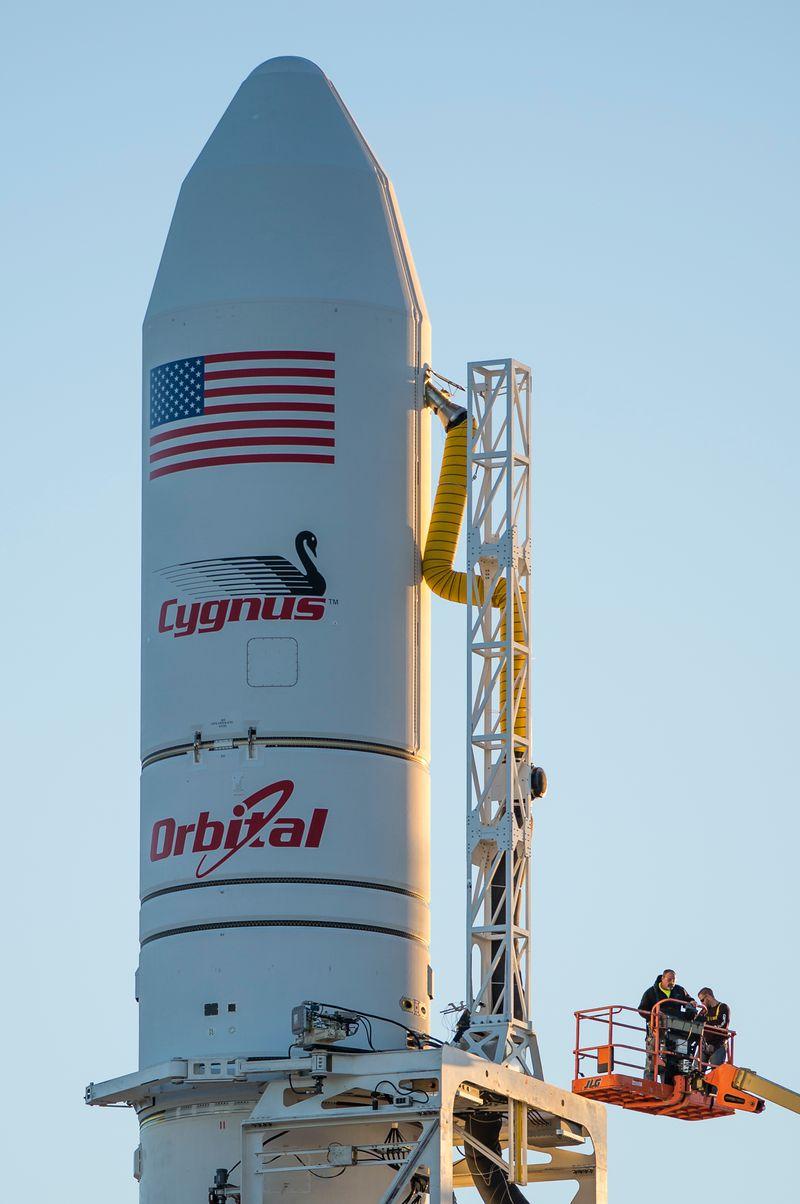 BREAKING: Orbital ends use of AJ 26, plans Cygnus flights ...