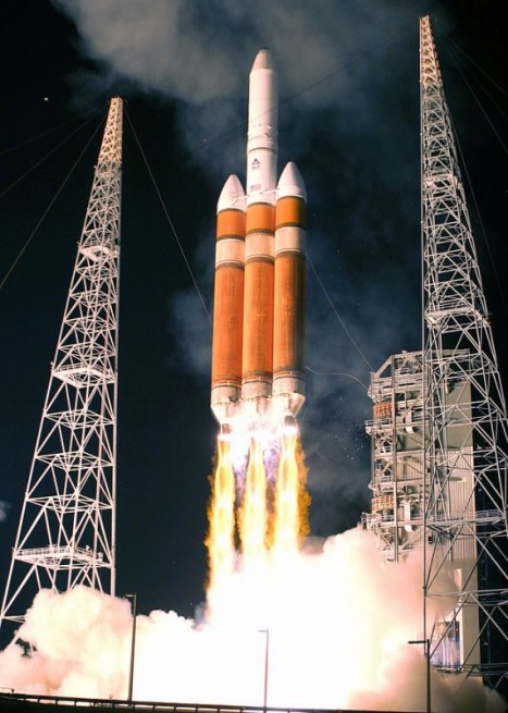 Delta IV Heavy launch United States Air Force photo posted on SpaceFlight Insider