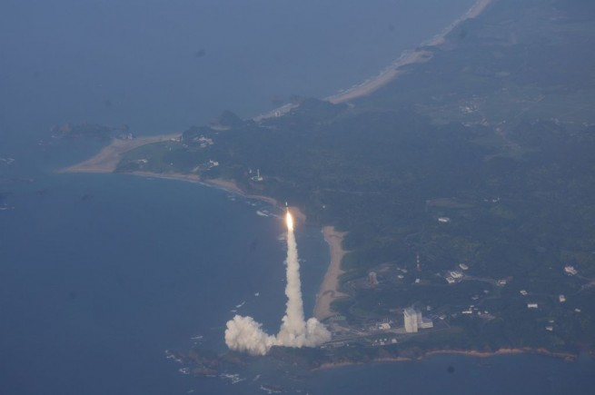 The H-IIA Launch Vehicle No. 17 taking off from Tanegashima Space Center. Photo Credit: JAXA