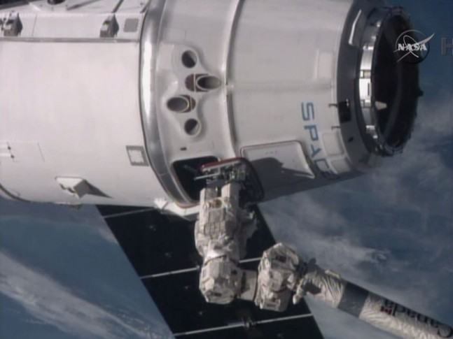 ISS successfully grappled the Dragon spacecraft just before 6 a.m. on Jan. 12 as seen on Spaceflight Insider