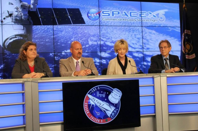 Panelists talk to the media about the different experiments on board the CRS5 mission as seen on Spaceflight Insider