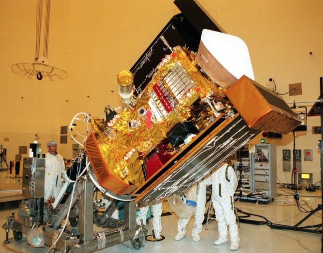 View of the Stardust spacecraft prior to launch as seen on Spaceflight Insider