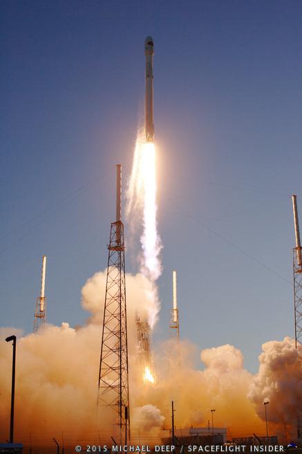 SpaceX_falcon_9_dscovr-michael_deep