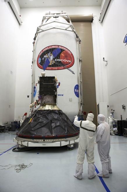 DSCOVR spacecraft SpaceX Falcon 9 payload fairing photo credit Kim Shiflett / NASA
