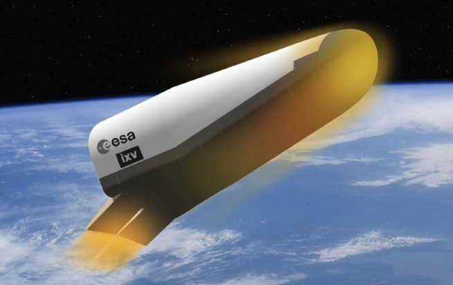 Artist's conception of the IXV reentering Earth's atmosphere. Image Credit: ESA