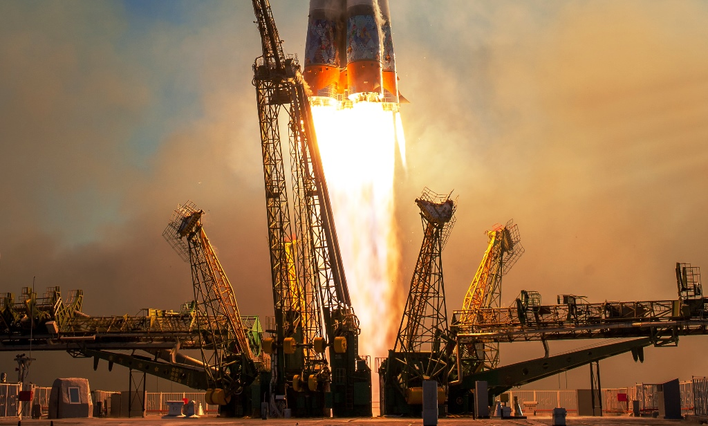 Soyuz_TMA-11M_rocket_launches_from_Baikonur_ ESA image posted on SpaceFlight Insider