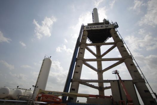 Spacex merlin 1d engine test rattles central texas for How far is waco texas from houston texas