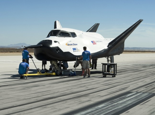 SIerra Nevada Corporation has entered into an agreement to have the cargo version of the Dream Chaser space plane to land at Ellington Airport (archive photo). Credit: Ken Ulbrich / NASA