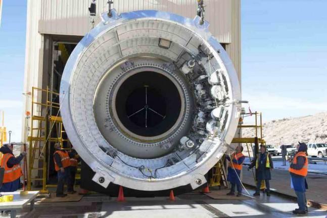 NASA, Orbital ATK ready SLS five-segment booster for QM-1 ...