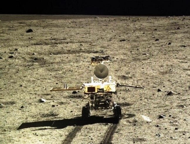 Yutu rover on the surface of the Moon Chang'e 3 Chinese Federal Space Agency image posted on SpaceFlight Insider
