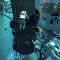 Underwater training for Hubble Space Telescope (HST) repair at MSFC Building 4705 NBS - August 15, 1992. Photo Credit: NASA