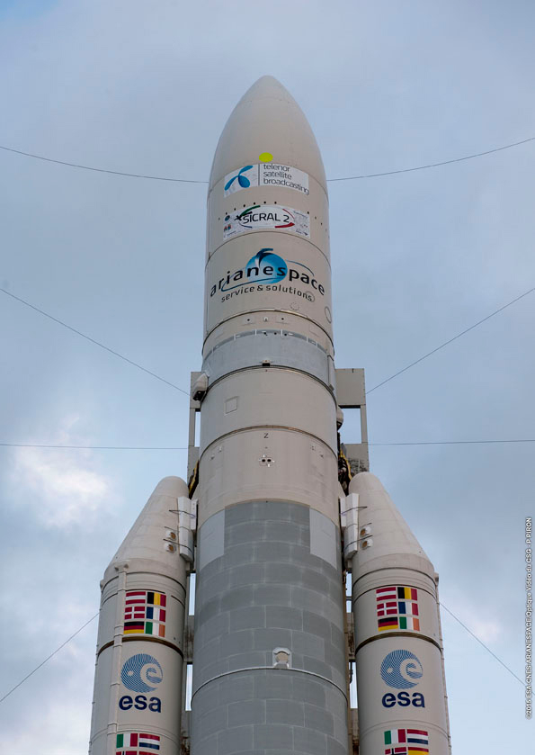 Ariane-5_ECA_launch vehicle Thor 7 Sicral 2 Arianespace photo posted on SpaceFlight Insider