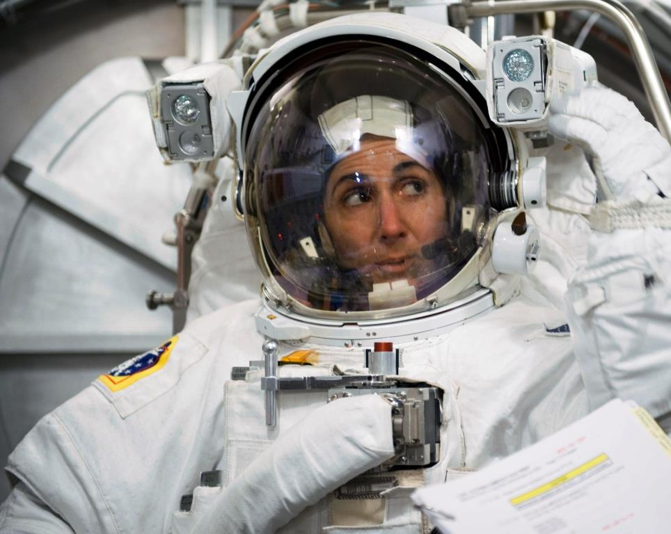 Women in Space: Nicole Stott - More than 100 Days on orbit ...