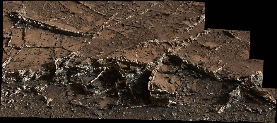 Curiosity has spotted prominent mineral veins near Mount Sharp. Image Credit: NASA posted on SpaceFlight Insider