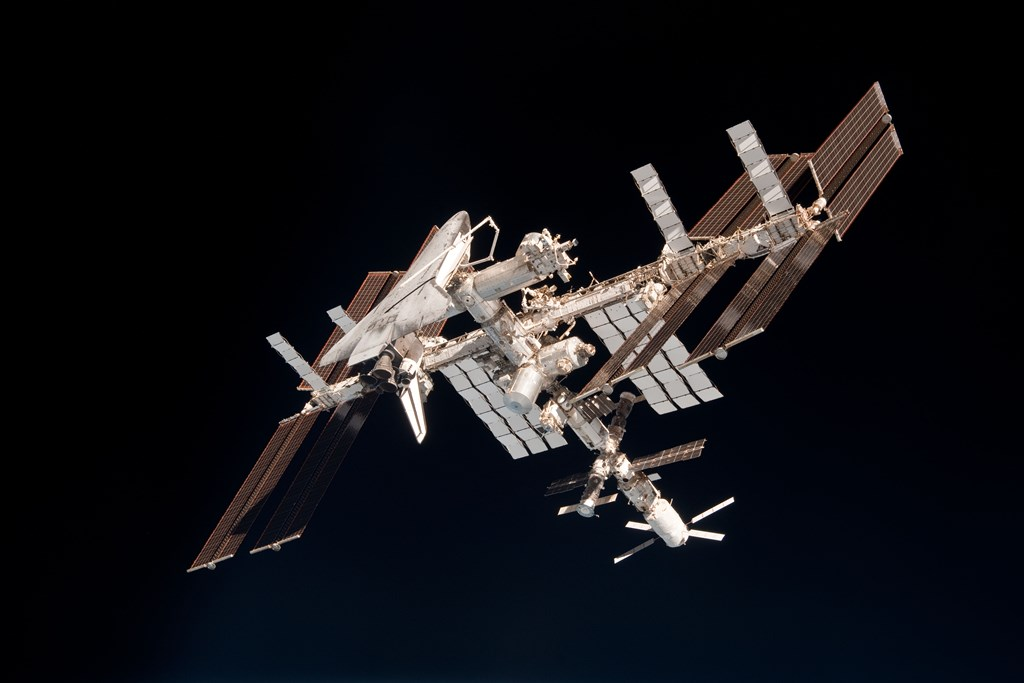 ISS_and_Endeavour_seen_from_the_Soyuz_TMA-20_spacecraft_14 NASA photo posted on SpaceFlight Insider