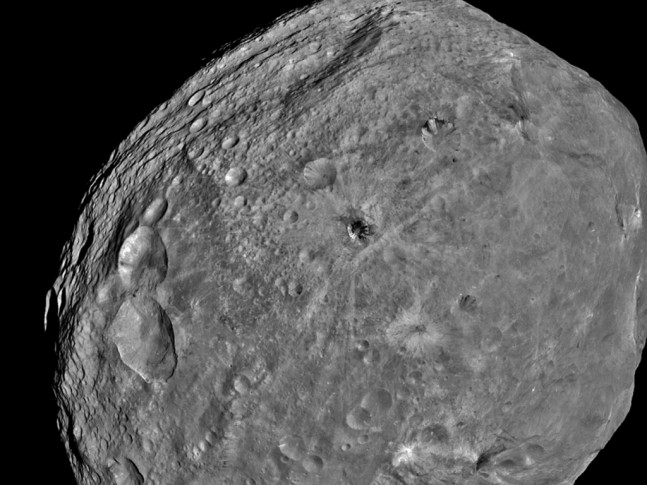 NASA Dawn spacecraft Jet Propulsion Laboratory Vesta asteroid NASA image posted on SpaceFlight Insider