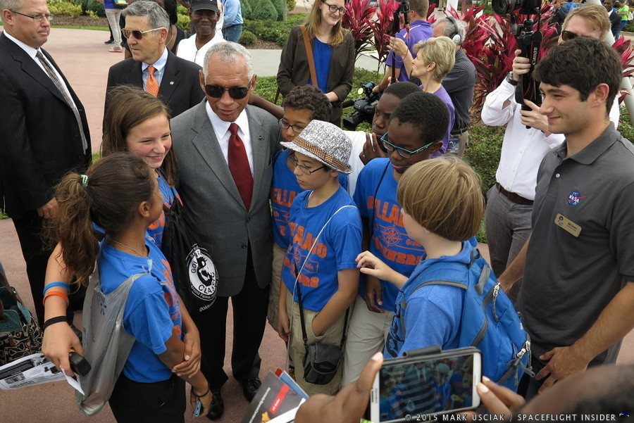 nasa_Charles Bolden Robert Cabana_us_astronaut_hall_of_fame_new_groundbreaking-mark_usciak