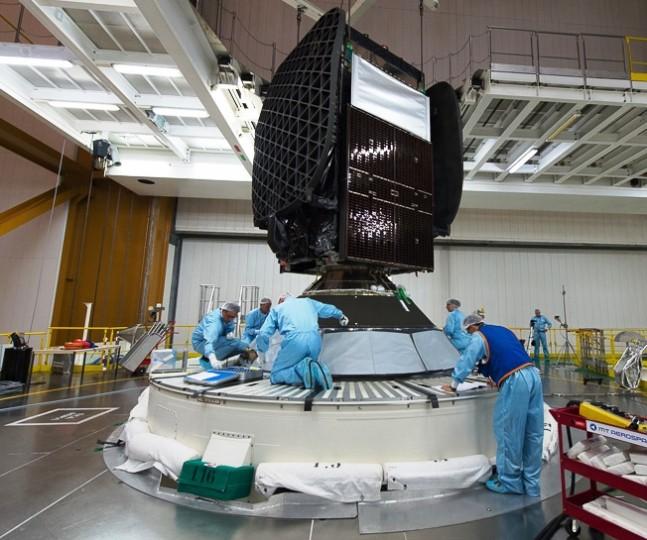 VA223 Integration SKY MEXICO-1 sur lanceur Arianespace-Ariane-5-Sky-Mexico-satellite-Arianespace-photo-posted-on-SpaceFlight-Insider
