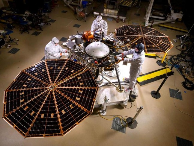 NASA InSight spacecraft Lockheed Martin fully assembled NASA photo posted on SpaceFlight Insider