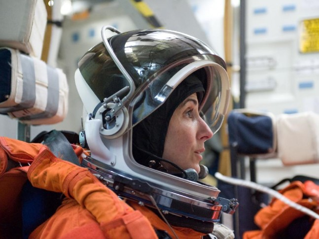 Astronaut Nicole P. Stott during training at Johnson Space Center NASA photo posted on SpaceFlight Inside