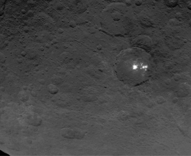 Ceres bright spots NASA Dawn image posted on SpaceFlight Insider