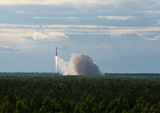 Soyuz-2.1a rocket launches Kobalt-M satellite on June 5, 2015