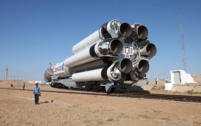 Protom-M rocket falls after launch from Baikonur Cosmodrome